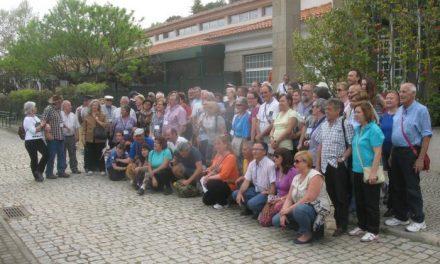 Más de una veintena de autocaravanas de la concentración de Moraleja visita Monsanto