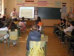 Educación convoca la contratación del suministro de equipamiento de centros de Cáceres y Badajoz