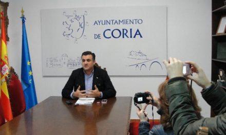 Ballestero confirma que el convenio para la cesión del solar del pabellón de deportes se firmará en breve