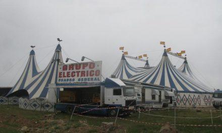 El Circo Coliseo acerca la magia del espectáculo a los vecinos de Moraleja durante el fin de semana