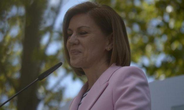 """De Cospedal defiende la honradez del PP extremeño y pide  a Monago que """"siga siendo como es"""""""