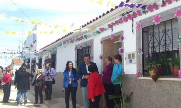 La pedanía cauriense de Rincón del Obispo engala sus calles para vivir el II Festival de las Flores
