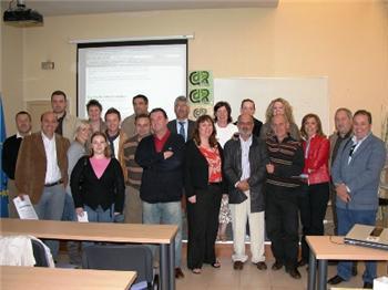 Los profesores ingleses que han visitado los centros de la región se interesan por los materiales interactivos
