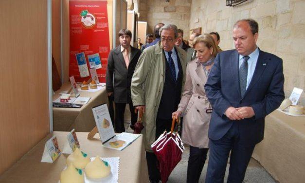 El presidente del Gobierno de Extremadura inaugura en Trujillo la XXX edición de la Feria del Queso