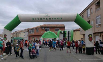 Más de dos centenares de corredores participan en la I Milla Urbana de Moraleja a favor de Cáritas