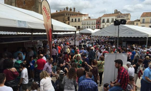 La Feria del Queso de Trujillo bate récords de ventas y afluencia de público en su trigésima edición