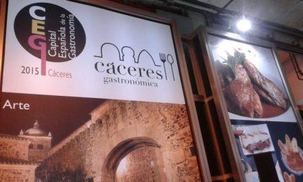 """La provincia de Cáceres participa en el certamen internacional de turismo """"Expovacaciones"""" de Bilbao"""