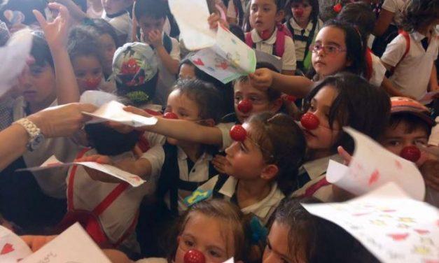 Un centenar de escolares reivindica en Coria el Día Nacional del Niño Hospitalizado