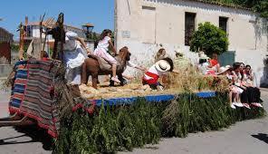 Más de medio centenar de carrozas participará en la romería de San Isidro en Valencia de Alcántara
