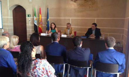 Muñoz afirma que uno de los compromisos del Gobierno ha sido el reconocer el papel de las familias numerosas