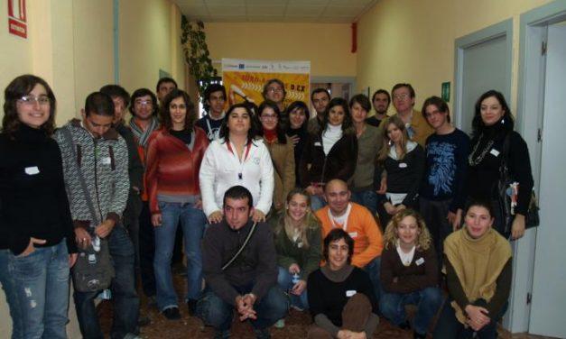 Jóvenes de la región y de Portugal realizan proyectos conjuntos en un encuentro transfronterizo en Baños