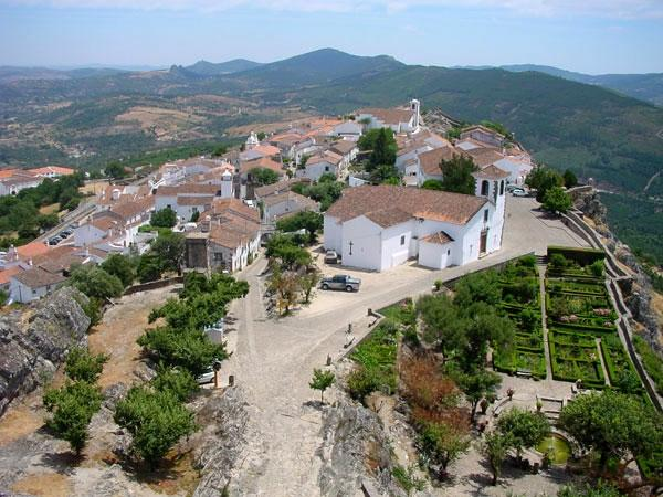 Valencia de Alcántara enseñará al sector de la hostelería la lengua y costumbres portuguesas