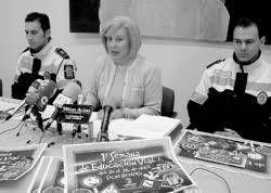 Los escolares multarán a los infractores de forma simbólica en una actividad organizada en Don Benito