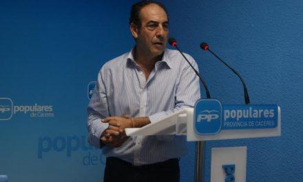 El PP provincial alaba la «gestión eficaz y la entrega» de Laureano León al frente de la Diputación de Cáceres