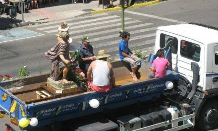 El Ayuntamiento de Moraleja apela al civismo en la procesión de vehículos de San Cristobal