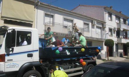Cientos de vecinos de Moraleja participaron este domingo en las fiestas en honor a San Cristóbal