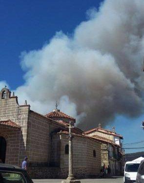El Plan Infoex reactiva el nivel 1 de peligrosidad del incendio declarado este jueves en Acebo