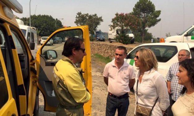 Cristina Herrera, Cristina Teniente y Alfredo Aguilera visitan la zona afectada por el incendio en Sierra de Gata