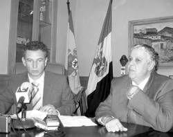 El consejero de Fomento, José Luis Quintana, entrega 130 pisos de protección oficial en Villafranca
