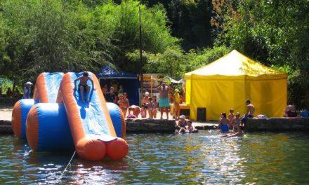 Ecoembes pone en marcha un taller de reciclaje en la piscina natural El Javero de Acebo este sábado