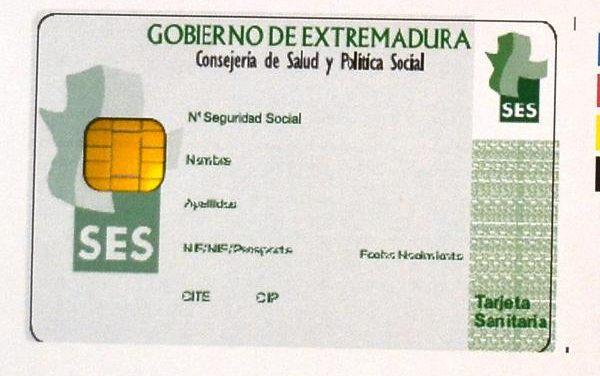 La Junta defenderá ante el ministerio de Sanidad la tarjeta sanitaria para inmigrantes irregulares