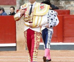 El diestro extremeño Perera se mantiene en estado muy grave tras sufrir dos cornadas en Salamanca