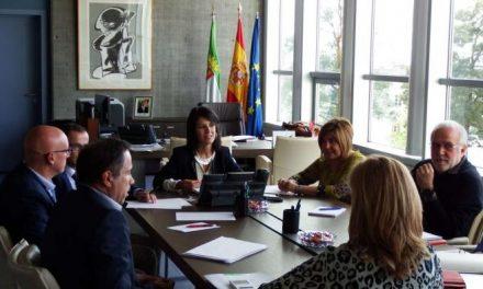La Junta de Extremadura y las diputaciones provinciales perfilan el Plan de Empleo Social