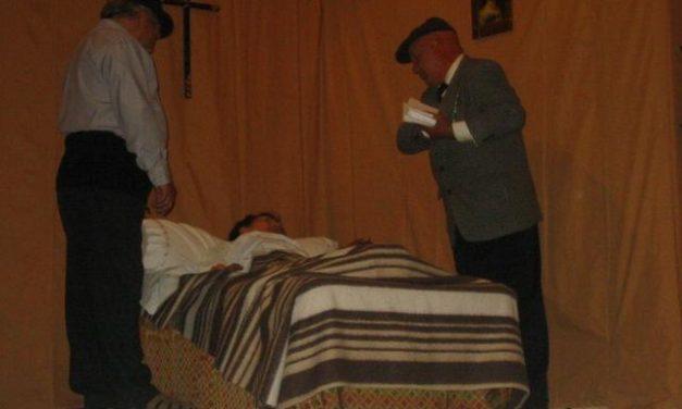 El grupo de teatro Aosta ha representado recientemente en el municipio de Aliseda la obra de El Embargo