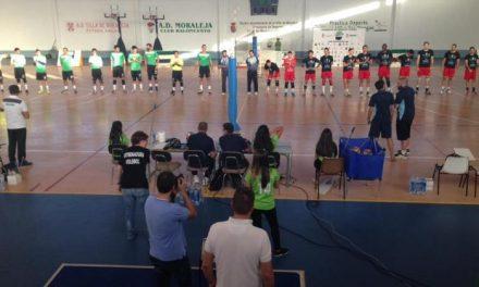 Cerca de medio millar de personas asistió este viernes al Torneo Sierra de Gata Superliga de Voleibol