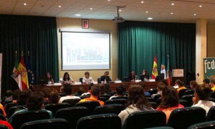 La directora general de Deportes destaca la apuesta de la Junta de Extremadura por el deporte femenino