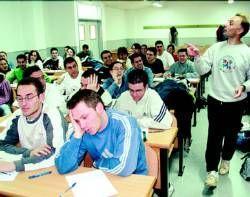 La Consejería de Educación y Empleo concede becas de movilidad Erasmus a 182 alumnos universitarios