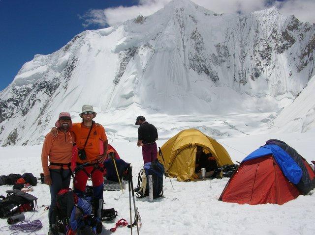 Dos alpinistas extremeños forman la Expedición Karakorum 08 para escalar la montaña Broad Peak