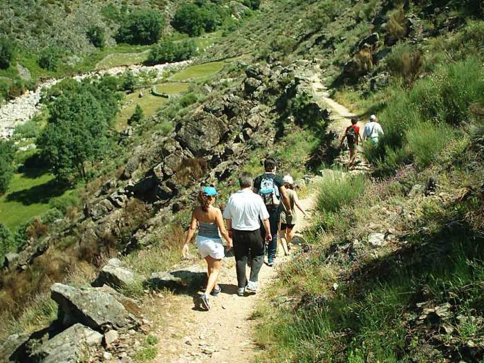 El consistorio de Coria abre el plazo de inscripción de la ruta senderista Antiguo Camino de Yuste