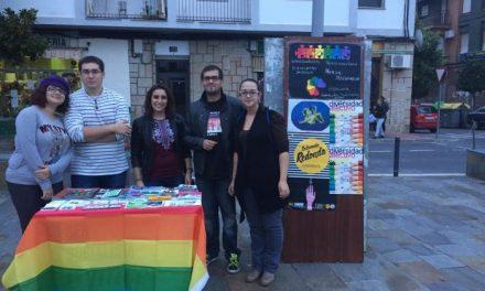 Juventudes Socialistas de Coria ofrece información sobre igualdad de género y discriminación sexual
