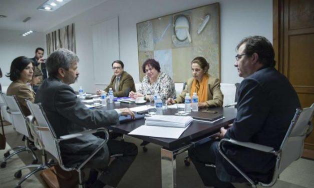 Extremadura estudia recurrir al Plan Juncker para buscar vías de financiación de proyectos de inversión