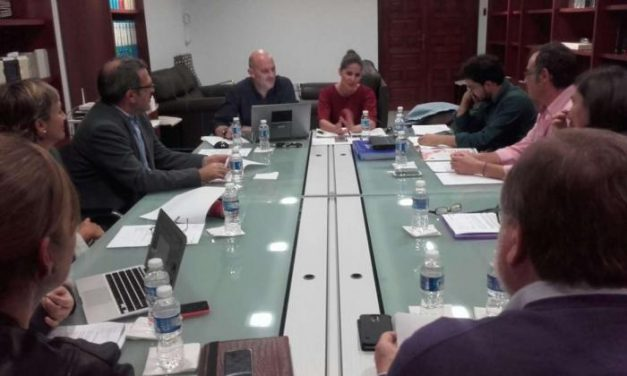 La Junta de Extremadura inicia los trabajos para crear el Consejo de Participación Ciudadana