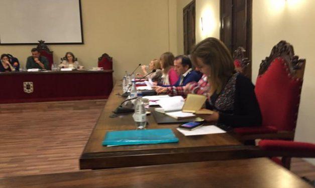 Coria mantendrá la tasa por expedición de documentos pese a las peticiones de Podemos