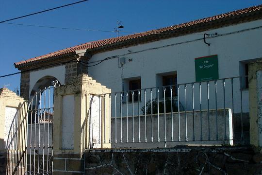 Los colegios de Santiago de Alcántara y Piedras Albas se reformarán con una inversión de 625.000 euros
