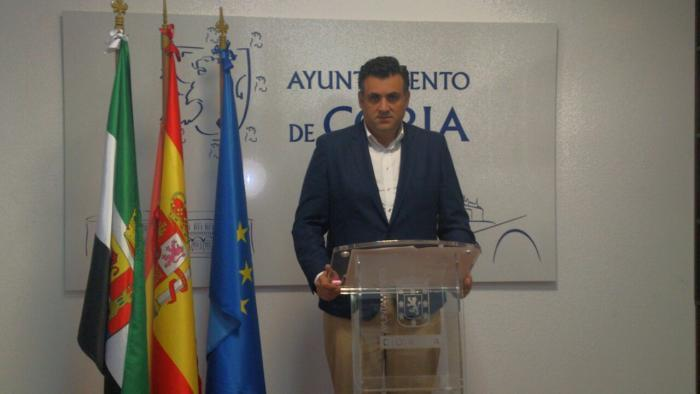 """Ballestero tilda de """"falta de respeto"""" el abandono del último pleno extraordinario por parte del PSOE"""
