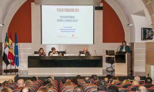 Cargos políticos locales se reúnen en unas jornadas para conocer los servicios que les ofrece la Diputación