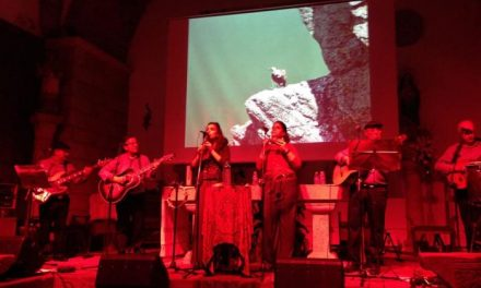 El concierto de Manatial Folk en Moraleja puso fin a las actividades del fin de semana con decenas de asistentes