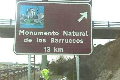 Comienza la instalación de la señalización de destinos turísticos de Extremadura en la Red de Carreteras
