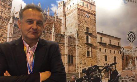 Grupo Ícaro edita un libro de lujo que se distribuye en los mejores hoteles de Extremadura