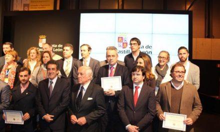 Trujillo recibe en Fitur el diploma que le acredita como uno de los pueblos más bonitos de España