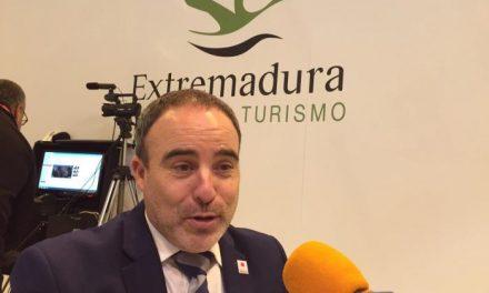 El director general de Turismo anima a los extremeños a participar en los eventos turísticos de 2016