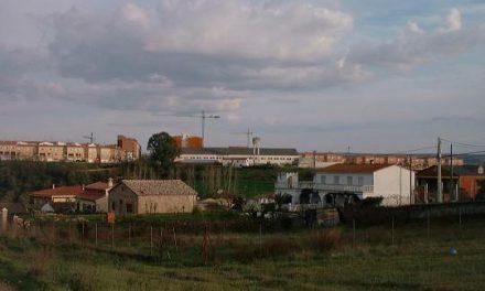 El Ayuntamiento de Coria estima recaudar 400.000 euros al año con el cobro del IBI a las casas ilegales