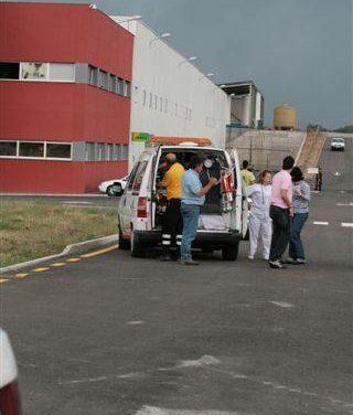 Un matrimonio y su hijo resultan heridos al salirse de la vía la furgoneta en la que viajaban en Montehermoso