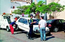 Los agentes de la Policía Local de Almendralejo ya utilizan las PDA para tramitar y poner las multas de tráfico