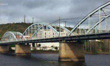 Ballestero demanda a Telefónica la canalización del cableado que transcurre por el Puente de Hierro de Coria
