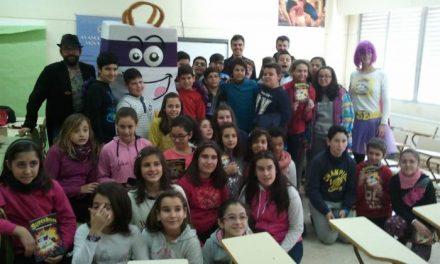 Empresarios de Moraleja se adhieren a una campaña para fomentar el comercio local entre los estudiantes
